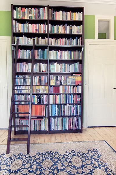 vanuit de diverse collecties zijn vele stijlen en bijna alle kleuren en decors mogelijk lundia boekenkasten zijn niet alleen mooi maar vooral degelijk